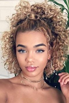 18 Easy and Beautiful Hairstyles for Curly Hair ★ Ponytail Hairstyles for Curly Hair Picture 1 ★ See Easy And Beautiful Hairstyles, Short Curly Hairstyles For Women, Long Curly Hair, Straight Hairstyles, Curly Girl, Curly Haircuts, Relaxed Hairstyles, Curly Short, Naturally Curly Hairstyles