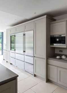 Superieur I Prefer The Cabinetry Go To The Ceiling, But Here The Clg Is Not Flat. Sub  Zero Integrated Refrigerator / Freezer / Wine Storage