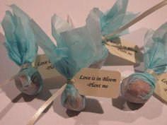 How about this for a cute but money-saving idea for you wedding? These wedding favours are bulbs which the guests can then plant. Every year that the flower blooms, it will remind them of your wedding. This can also be done with all types of seeds, especially if you have a favorite flower. You can wrap these any way you like to match in with your theme, but how about pretty recycled paper to keep the eco theme going.