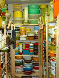 The pyrex and tupperware motherlode Kitschy Living