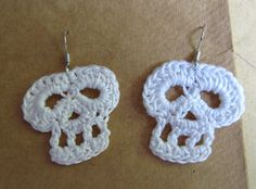 Crochet White Skull earrings / Sugar Skull / Dia de by JessesMomus