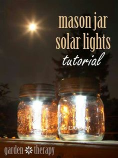 Make your own solar mason jar lights. All you need is mason jars, solar garden stakes and a hot glue gun. This is an easy DIY project that can be done in less… Diy Solar, Solar Light Crafts, Pot Mason Diy, Mason Jar Lamp, Pots Mason, Mason Jar Projects, Mason Jar Crafts, Diy Projects To Try, Craft Projects