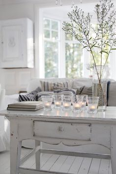 Love this for a small coffee table