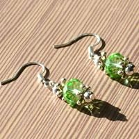In this tutorial, we will teach you how to make Swarovski crystal earrings. You can make them with Swarovski crystal beads in Pandahall.com.