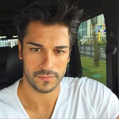 . Turkish Men, Turkish Beauty, Turkish Actors, Celebrity Selfies, Cute Stars, Casual Hairstyles, Hairy Chest, Male Face, Haircuts For Men
