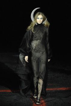 Alexander McQueen Fall 2007 Ready-to-Wear - Collection - Gallery - Style.com