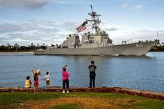 The guided-missile destroyer USS Paul Hamilton (DDG 60) returns to its homeport at Joint Base Pearl Harbor-Hickam following a nine-month deployment. (U.S. Navy photo by Mass Communication Specialist 2nd Class Dustin W. Sisco/Released)