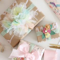 Never give a boring gift again - these gift wrapping ideas are perfect for giving your presents a good dose of pretty.