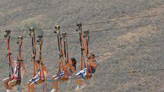 Persona haciendo zip line en San Gil San Gil, North South, Adventure Awaits, National Parks, Persona, Travel, Zip, Extreme Sports, Mountain Range