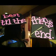 """Matching Mortarboard! Perfect ideas for best friends!"" @Trista Bryant we are so doing this at our graduation"
