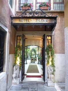 Venice Hotel Great Places, Places To See, Beautiful Places, Vacation Places, Italy Vacation, Venice Italy, Venice Hotel, Rome Florence, French Exterior