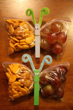 Butterfly snacks that can be filled with anything. great for sending snacks to school with your kids. Cute Snacks, Lunch Snacks, Cute Food, Healthy Snacks, Good Food, Snack Bags, Kid Snacks, Delicious Snacks, Soccer Snacks