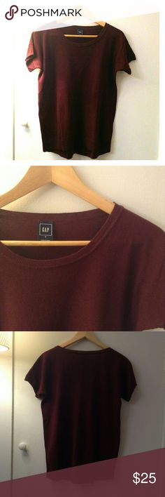 GAP Short-sleeve sweater Excellent condition, only wore a couple of times! GAP Sweaters Crew & Scoop Necks