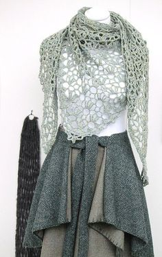 Fashion Link: Katie Barrett (love the shawl)