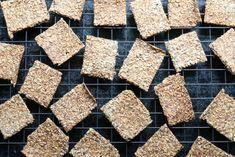 Det aller beste knekkebrødet Bread Recipes, Snack Recipes, Snacks, Rolls, Food And Drink, Baking, Drinks, Snack Mix Recipes, Drinking