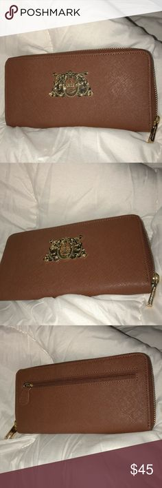 JUICY COUTURE small wallet JUICY COUTURE small wallet with gold details and logo, cute and easy to slip into shoulder bag. Fits my iPhone 8 Plus  New without tags 100% authentic Juicy Couture Bags Wallets