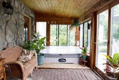 whirlpool im zimmer . hotel mit whirlpool im zimmer Building A Deck, Metal Pergola Diy, 3 Season Room, Florida Room, House, Hot Tub Room, Door Pergola, Room Design, New Homes