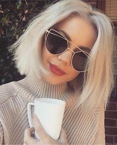 "Gefällt 1,341 Mal, 22 Kommentare - Laura Jade Stone (@laurajadestone) auf Instagram: ""Coffee all day every day ☕️☕️☕ ️ Knit - Kino knit @peppermayo  Glasses - @elroyeyewear  Lipstick -…"""
