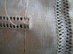 ricamo e... altro: la croce sfilata. Drawn Thread, Thread Work, Diy Crochet, Embroidery Stitches, Hand Sewing, Pattern, Home Decor, Felicia, Hand Embroidery Stitches