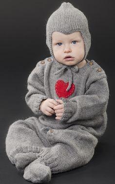 Novita Oy - Neulemalli: Neulottu vauvan haalari, sukat ja myssy