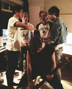 niall with 5sos (:
