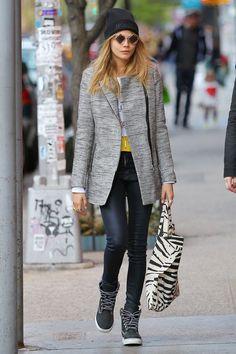 Best Dressed of the Week - Victoria Beckham, Cara Delevingne (Vogue.com UK)