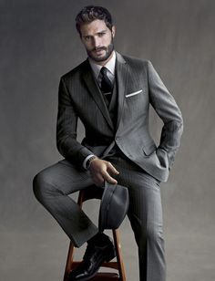 Grey pinstripe suit my style mad men fashion, fashion и mens fashion:cat. Corporate Portrait, Business Portrait, Male Models Poses, Male Poses, Guy Models, Sharp Dressed Man, Well Dressed, Jamie Dornan, Mad Men Mode