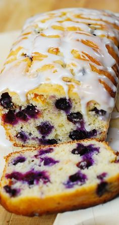 Blueberry vanilla bread with lemon glaze. This delicious bread is stuffed with blueberries, and deliciously flavored with vanilla and lemon zest. Blueberry Bread, Blueberry Recipes, Lemon Recipes, Baking Recipes, Bread Recipes, Blueberry Breakfast, Grandma's Recipes, Vanilla Recipes, Healthy Recipes