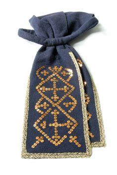 Pühalepa palmik Folk Costume, Costumes, Folk Clothing, Family Genealogy, Crocheting, Culture, Embroidery, Craft, Beautiful