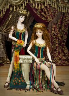 I want Meg and Christine dolls. (Phantom of the Opera)