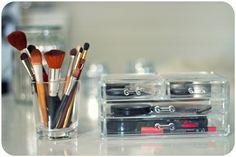 make up, brushes