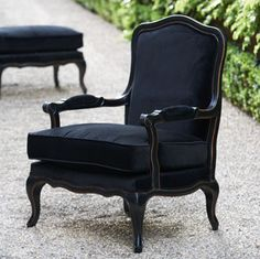 Luscious: Louis XV chair--in black..i dig