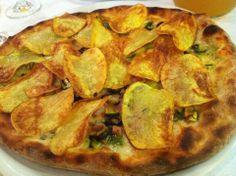 Se capitate da Luciano Passeri, Pizzeria Milù di San Giovanni Teatino vicino Pescara, chiedetegli la Golden Crock (è fuori menù). In un colpo solo vi levate lo sfizio di mangiare pizza e patatine fritte. Mica male.