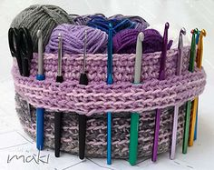 Crochet pattern - Easy and quick, super sweet yarn basket! Permission to sell finished items. Pattern No. 233