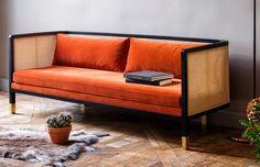 Wicker Sofa är tillverkad i Frankrike, skapad av hantverkare som specialiserar sig i den högsta kvalitén av material. Soffan är gjord i en massiv boksram och har ett yttre i rotting. Sitsen är tillverkad i naturmaterial och har ett avtagbart sammetstyg. Välj mellan måtten 160 eller 210 cm.