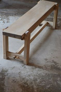 Bench Furniture, Furniture Projects, Rustic Furniture, Wood Projects, Woodworking Workbench, Woodworking Furniture, Woodworking Projects, Awesome Woodworking Ideas, Wooden Stools
