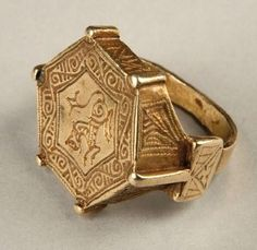 Picking a wedding ring is not as simple as you think, much thought is needed behind your picked design. What you have to remember the wedding event band binds the pleased couple together forever. Antique Rings, Antique Gold, Antique Jewelry, Vintage Jewelry, Medieval Jewelry, Ancient Jewelry, Jewelry Art, Gold Jewelry, Jewelery