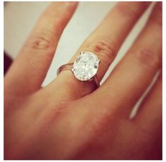 DREAM RING! Actually in love with oval engagement rings... wow.