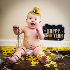 newyearseve new years eve photoshoot Toddler Pictures, Baby Pictures, Baby Photos, New Year Pictures, Holiday Pictures, Baby Kalender, New Year Photoshoot, Photoshoot Ideas, Happy New Year Baby