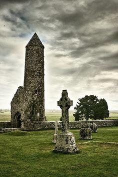 • Clonmacnoise site (Connemara | Ireland) by dimitri_ca on Flickr.