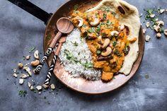 Zháňanie surovín ti môže dať trošku zabrať, ale výsledok stojí za to. Paella, Hummus, Feel Good, Ale, Curry, Ethnic Recipes, Food, Curries, Essen