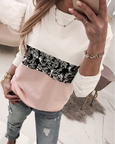 Round Neck Colorblock Insert Sequins Long Sleeve Sweatshirt Women's Online Shopping Offering Huge Discounts on Dresses, Lingerie , Jumpsuits , Swimwear, Tops and More. Trend Fashion, Estilo Fashion, Fashion Week, Ideias Fashion, Womens Fashion, Japan Fashion, Fashion Online, Denim Maxi Dress, Fashion Pattern