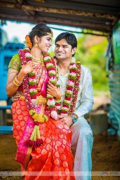 Here we have a bride who began her new year on a truly divine note, meeting her to-be husband in a temple. What began then paved the way for a future that they plan on making together. South Indian Wedding Hairstyles, South Indian Weddings, South Indian Bride, Indian Bridal, Indian Groom, Wedding Poses, Wedding Couples, Wedding Album, Wedding Ideas