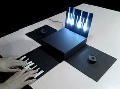 pianoBox. by Catarina Mota. Piano electrónico de papel.