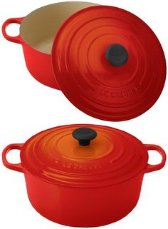 Le Creuset Signature Enameled Cast-Iron 7-1/4-Quart Round French (Dutch) Oven, Flame