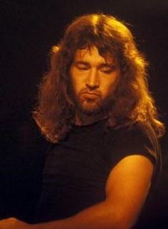 RONNIE HAMMOND:  MEMBER OF ATLANTA RHYTHM SECTION- awesome voice !! Miss this guy !!!