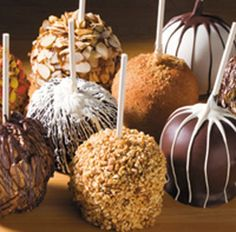 gourmet caramel apples recipe | You can use other kinds of crushed cookies and candies if you like ...
