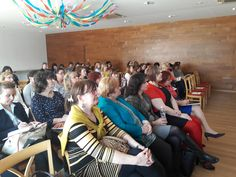 Március 22-én rendezett konferenciánkonFűrész Tünde (miniszteri biztos, Emberi Erőforrások Minisztériuma,Család-és Ifjúságügyért Felelős Államtitkárság) az átalakult bölcsőderendszerről beszélt részletesen. A bölcsődék és mini bölcsődék, mint bölcsődei intézmények, a családi és munkahelyi bölcsődék mint bölcsődei