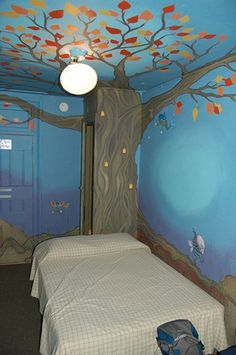 Always thought it would be fun to paint a tree/forest scene like this in a kid's room.