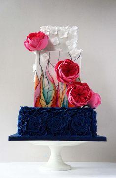 15 Stunning Wedding Cakes To Steal The Spotlight - Backen - Hochzeit - Crazy Wedding Cakes, Crazy Cakes, Beautiful Wedding Cakes, Gorgeous Cakes, Amazing Cakes, Cake Wedding, Unique Cakes, Elegant Cakes, Modern Cakes